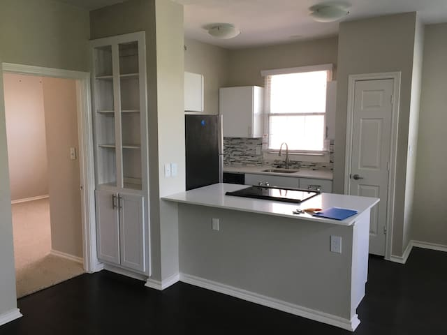 Lakefront Apt in Las Colinas near DFW Airport