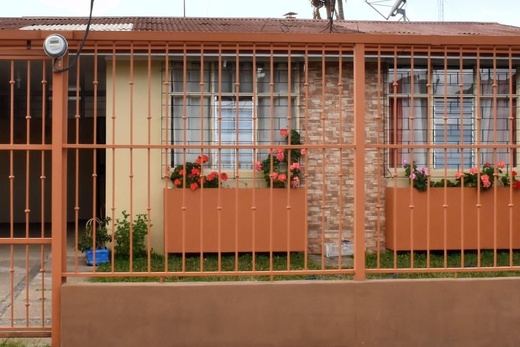 Este es el frente de nuestra casa.