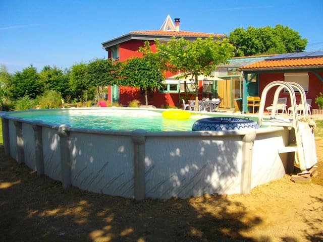 Villa with one bedroom in Estibeaux, with private pool, furnished garden and WiFi - 40 km from the beach