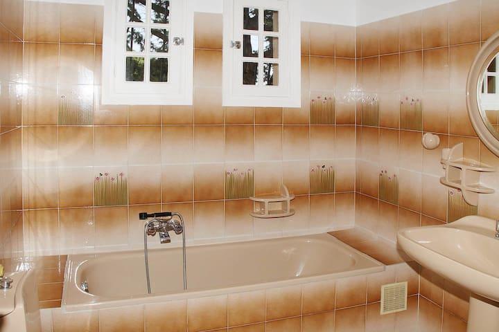 Salle de bain privative chambres 1 et 2