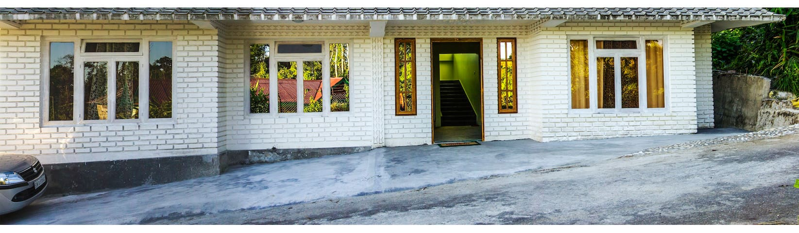 Live Away Home 2 - Room 2 - Kalimpong