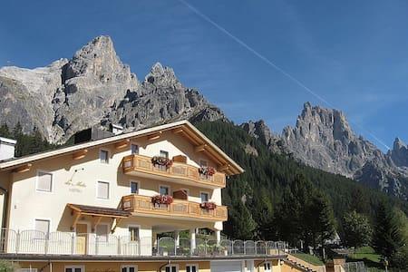 La pace dei sensi ai piedi delle montagne - San Martino di Castrozza - Wohnung