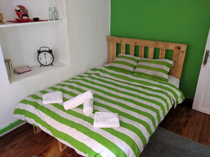 Green Modern Room in Taksim the Center of Istanbul