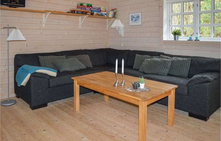 Holiday cottage with 3 bedrooms on 88m² in Hadsund