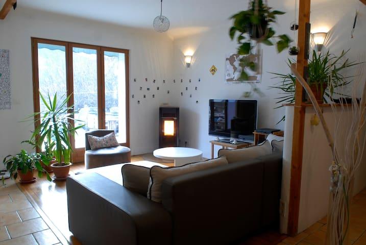 Bel appartement lumineux avec vue sur Justin - Die - Wohnung