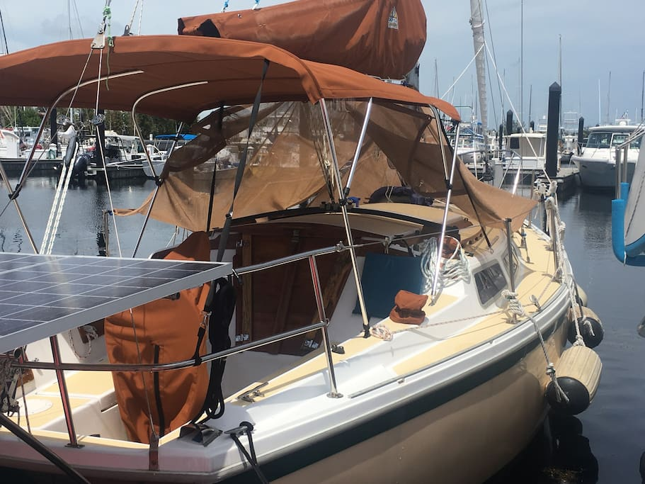Vintage restored 1979 Catalina 30' sloop