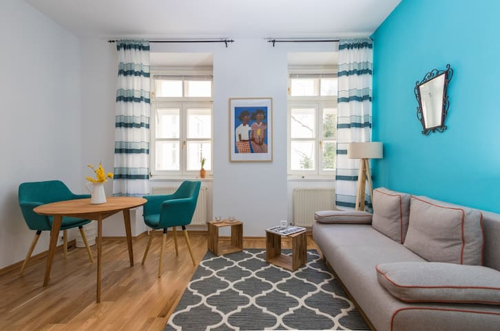 Super Central Cozy Studio - Hip & Historical Area - Wien - Flat
