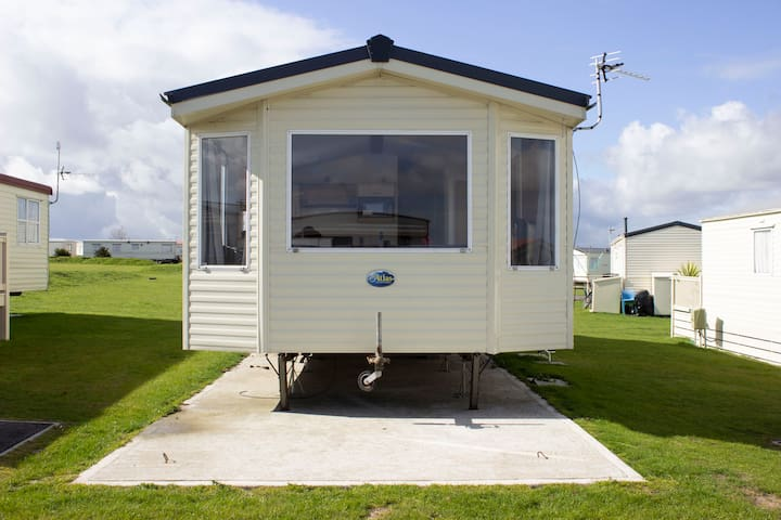 Luxury Caravan on  the beautiful,  Isle of Sheppey