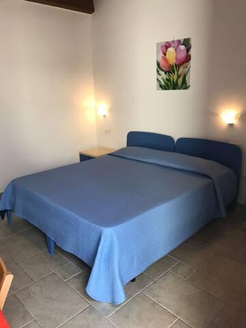 camera con bagno privato a 300 metri dal mare - 烏斯蒂卡 - 公寓