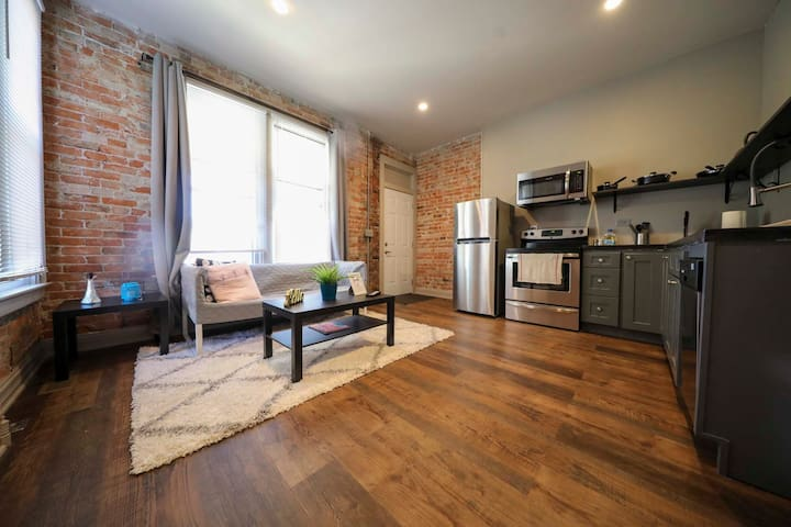 ★Mins to Columbus Convention Center ★ Free Parking