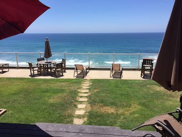 Ocean front Neptune home in Leucadia ! - Encinitas - Huis