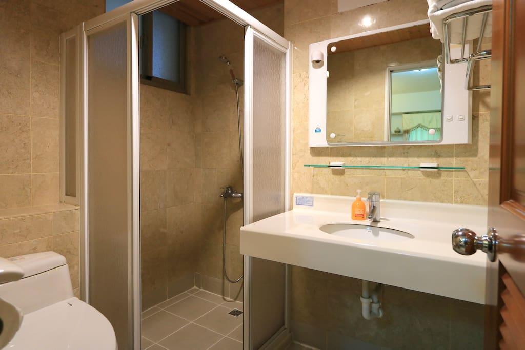 獨立乾濕分離衛浴-日本進口免治馬桶