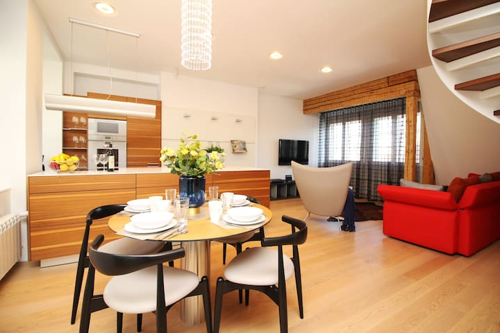 Luxury 2 BR + 2 BTH on Town Hall Square with views