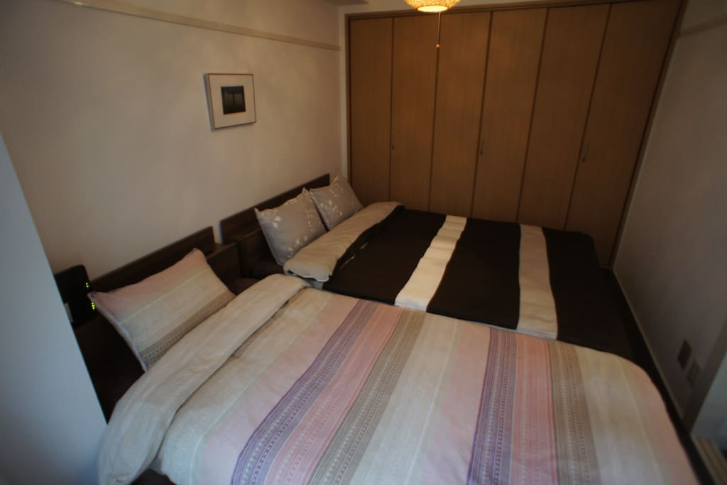 Room no.1  Double bed x 1  Single bed x 1
