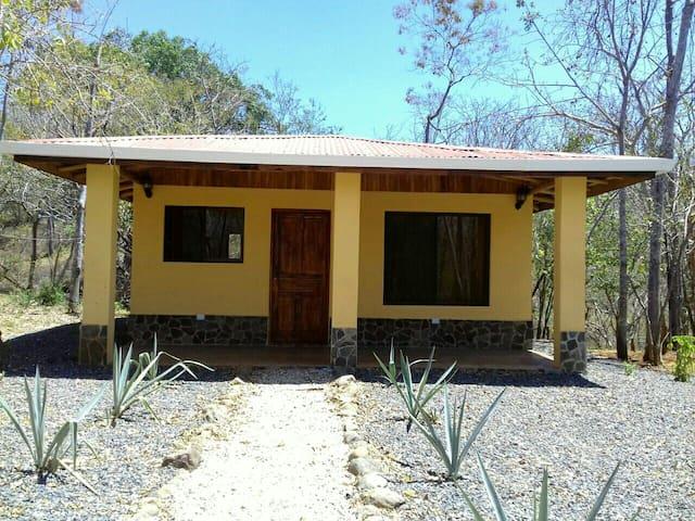 Casa las Tecas de Monte Grande - Matapalo - House