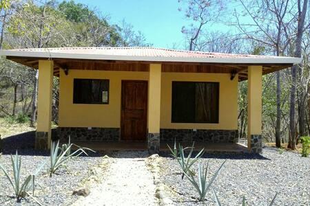Casa las Tecas de Monte Grande - Matapalo - Haus