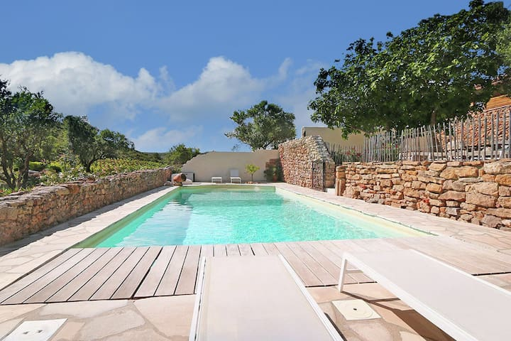 Secluded Apartment in Villesèque with Pool