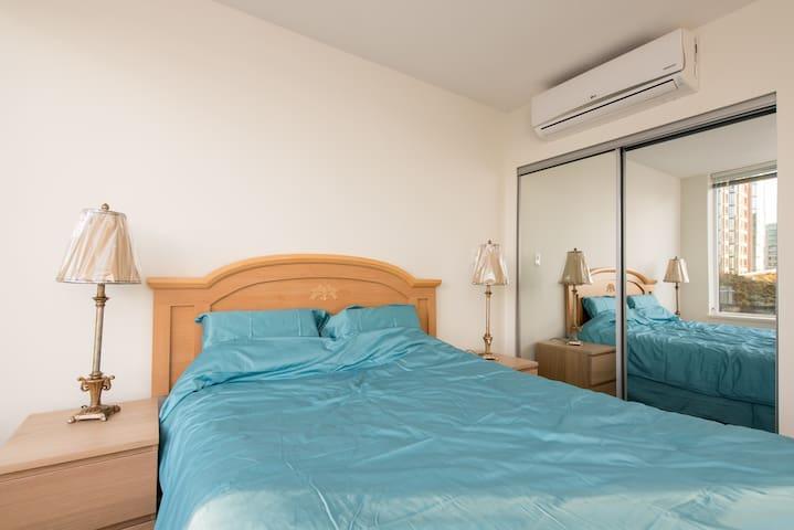 Brand New Luxury Unit,Downtown RMD - Richmond - Lägenhet
