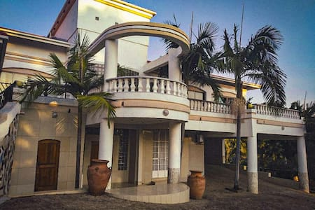 Vikam Villa, Morningside