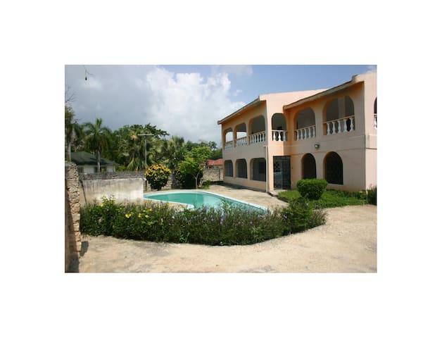 Malaika House in Diani South coast