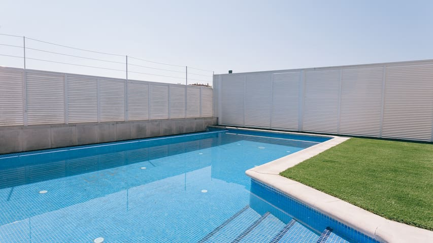 House with pool 5 minutes to Girona old town