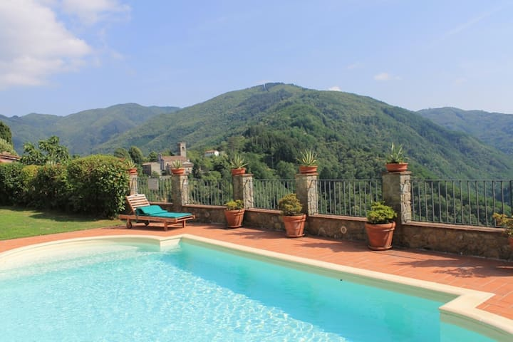 Lugliano 4 - Holiday Country House with swimming pool near Lucca, Tuscany