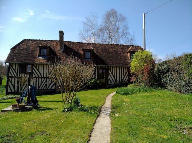 maison normande en pays d'Auge avec piscine privée