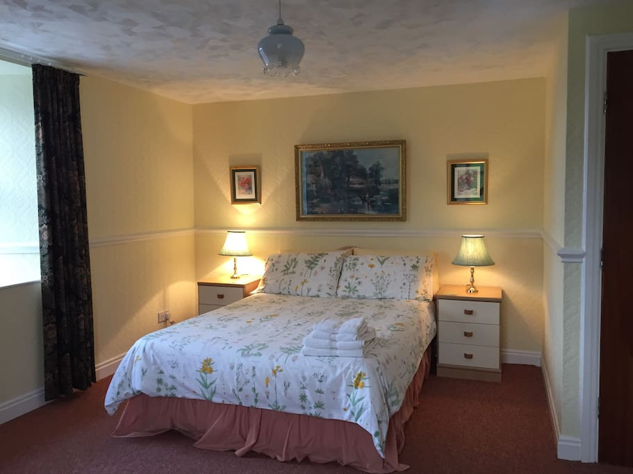 Large main bedroom