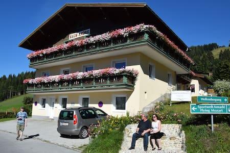 Alpine Apartment Andre 1 - Lakás