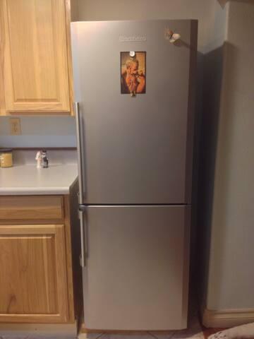 Blomberg refrigerator + freezer.