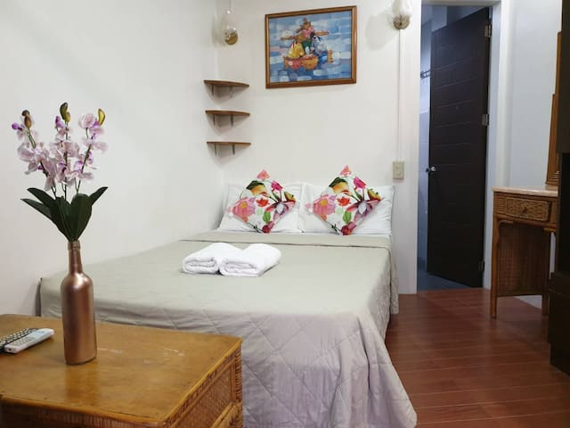 Red Coconut Apartelle Room # 4 with kitchen