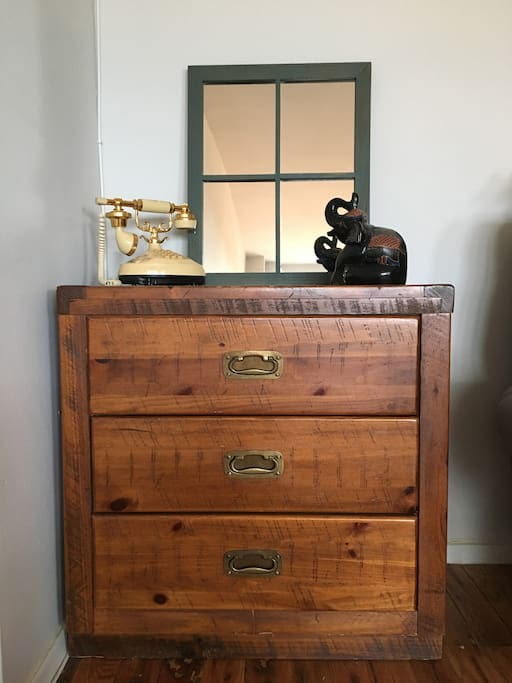 Quirky vintage drawer corner for your light traveling needs.