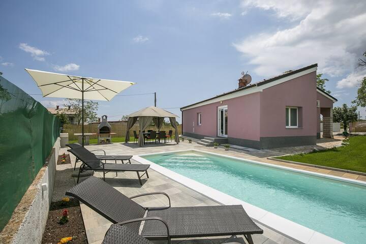 Villa Lavanda Rakalj met zwembad - Rakalj - Huis
