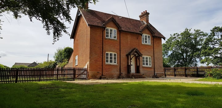New Forest Staycation! Isolated Cottage!