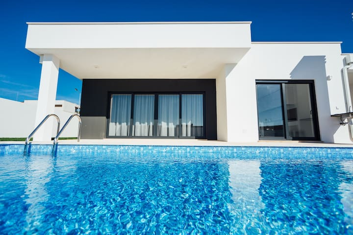 Ocean Villa with private pool, garden and barbecue area