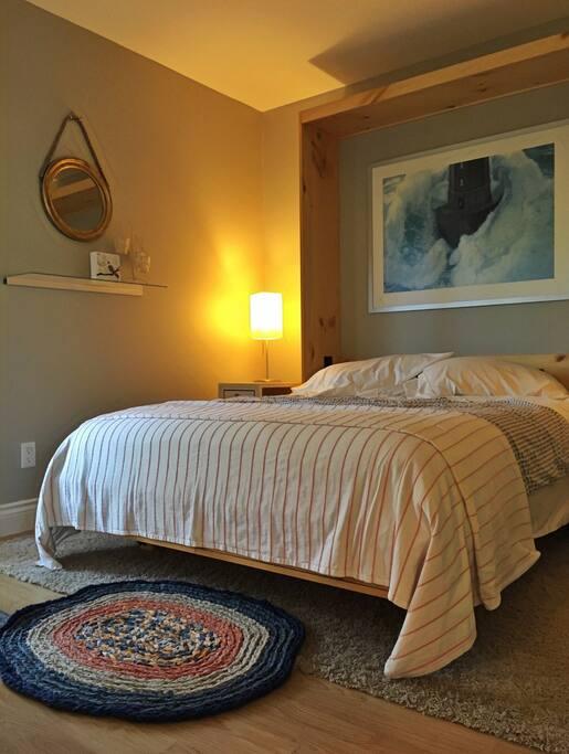 Queen-sized murphy bed