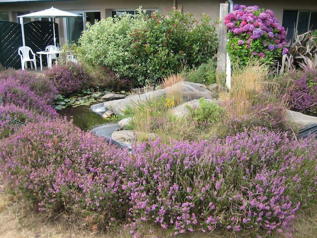 Agréable Rez de jardin sur la Côte de Granit Rose