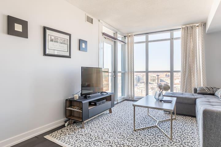 Simply Comfort. Glamorous Downtown Condo. 29 Floor