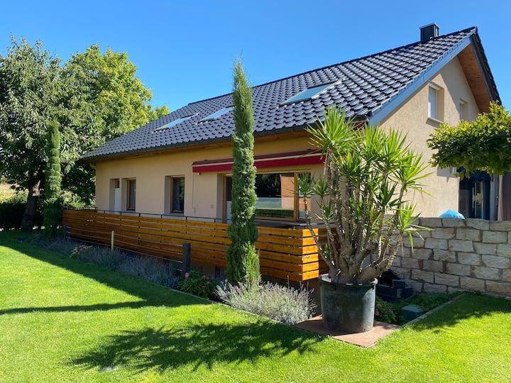 Einliegerw. m. schöner Terrasse 70qm neu renoviert