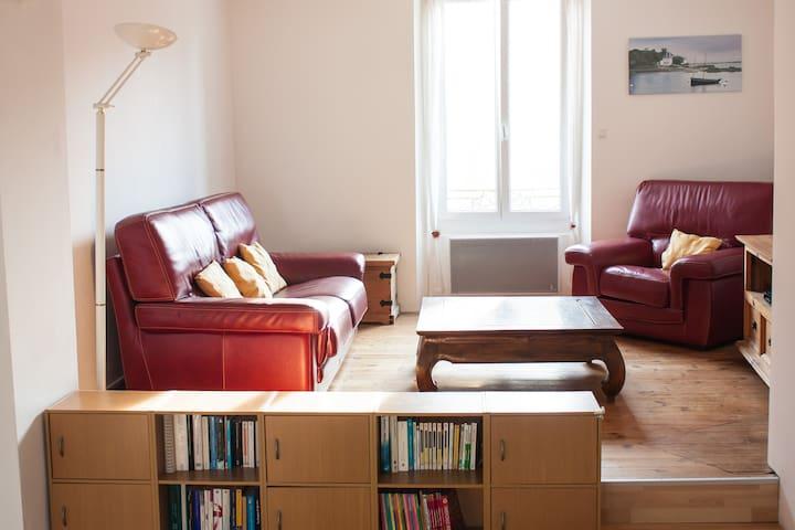 Grand appartement à 300m du port - Douarnenez - Flat