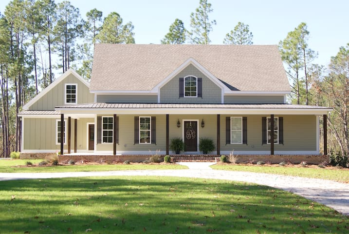 Private home on 20 acres - Masters Rental!
