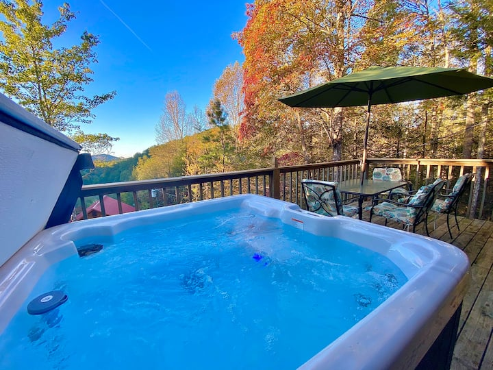 2BD/3Bath cabin,hot tub,secluded,view,pet-friendly