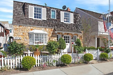 Charming Balboa Island Cottage - Newport Beach - Hus