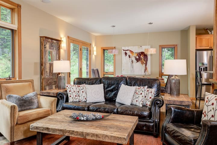 The Low Dog Retreat | Ski in/out Luxury Home