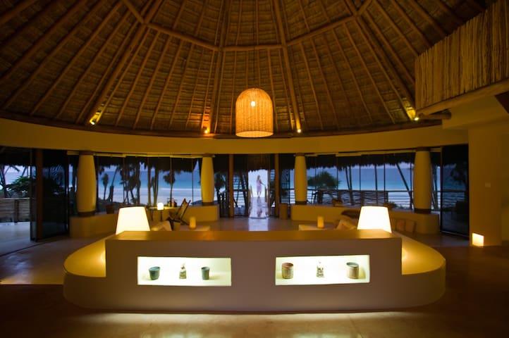 Casa Nalum -  Beachfront Villa