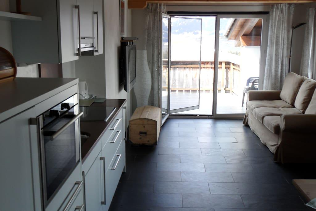 Küche, Ausziehcouch, Balkon