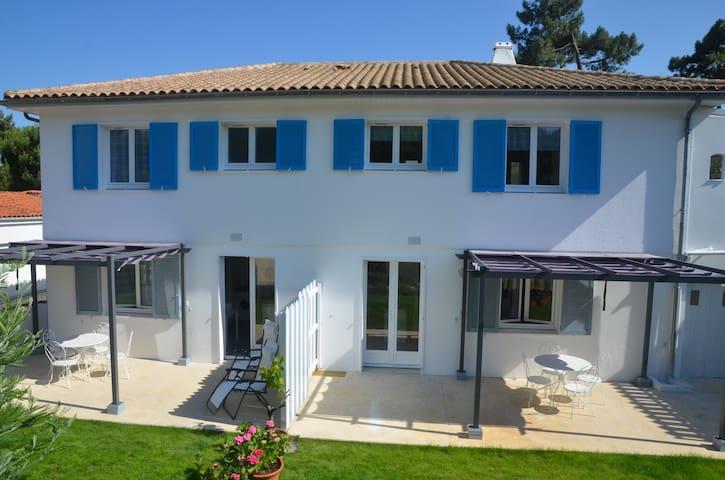 Appartement T avec jardin dans vila - Saint-Trojan-les-Bains - Huoneisto