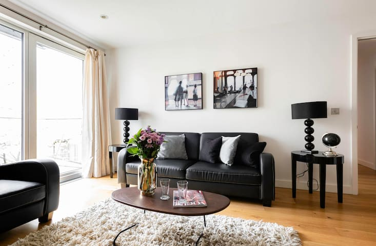 Sophisticated 2bed Apt next to Westminster 9968