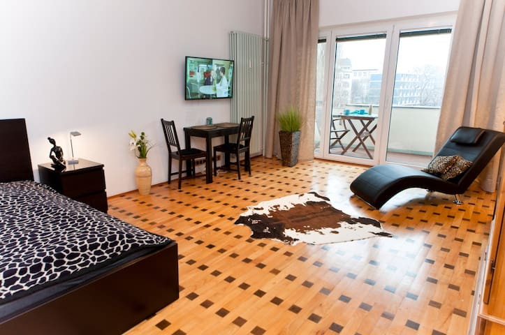 Nice Apartment in Charlottenburg with balcony