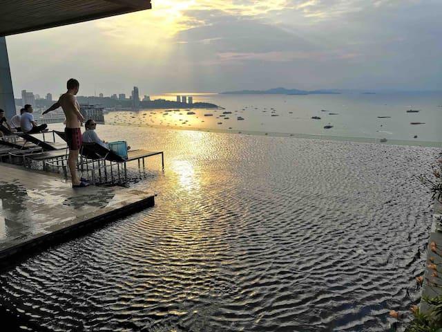 芭堤雅Centric Sea中心海/网红海景无边泳池/Terminal 21/中文/A26